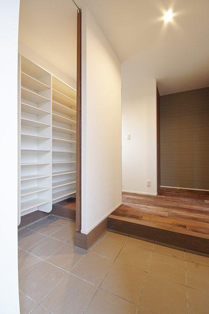 長野「ヴィンテージスタイル・吹抜けのあるウォルナット無垢床の家」 ハーバーハウス上越支店