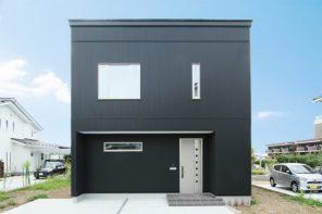 長野県須坂市日滝「HARS 内も外もスタイリッシュ!ブラックガルバリウムハウス」住宅完成見学会
