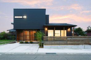 LDKに設けた下屋と大きな窓で開放感抜群のガルバリウムハウス ハーバーハウス長野支店