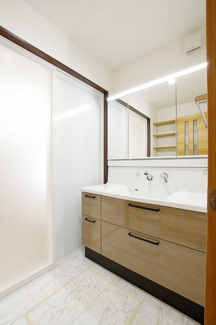 小上がりと合わせて約28帖の大空間LDK!住みやすさ抜群の平屋 ハーバーハウス上越支店