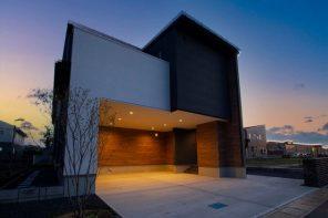 美しい大開口ガレージ&ヴィンテージ風ピットリビングのある家 ハーバーハウス長野支店